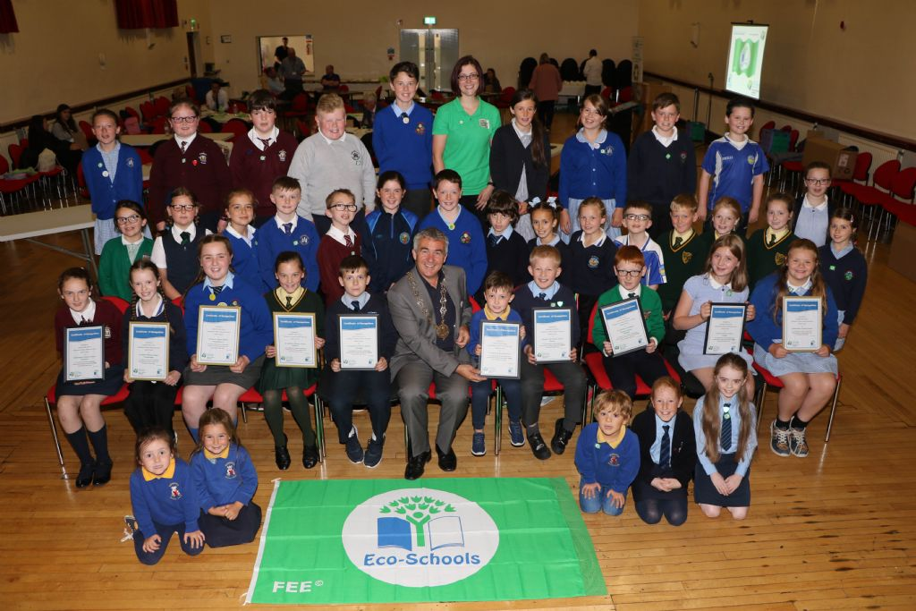 photo 23 eco councils from 10   primary school receive their green flag