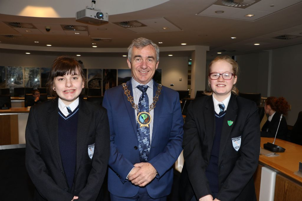 photo 4 knockevin school council visit to downpatrick council offices